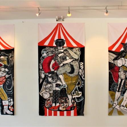 Le Cirque du Sado (2018), Acrylfarbe auf Plastikplane, je ca 100 x 150 cm.